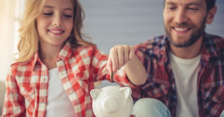 La tasa de ahorro de los hogares se reduce un 2% en 2017