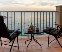 La Sareb presenta una campaña para vender 3.314 viviendas en la costa